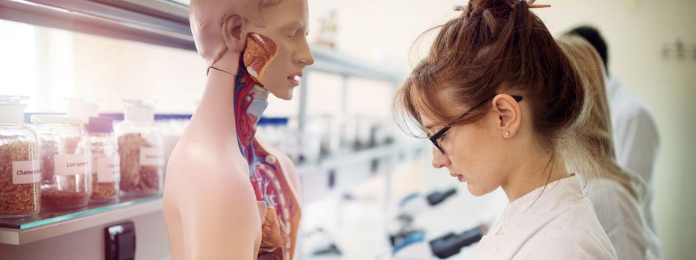 6 top UK universities to study medicine