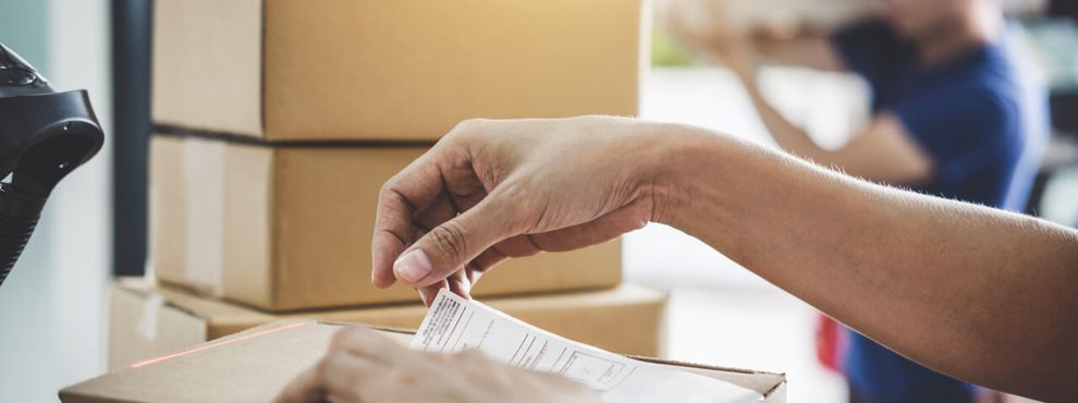 How to send parcels abroad when studying in the UK